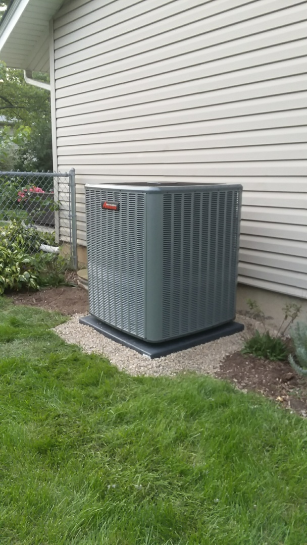 Palatine, IL - Installed a new 18 seer Amana air conditioner.