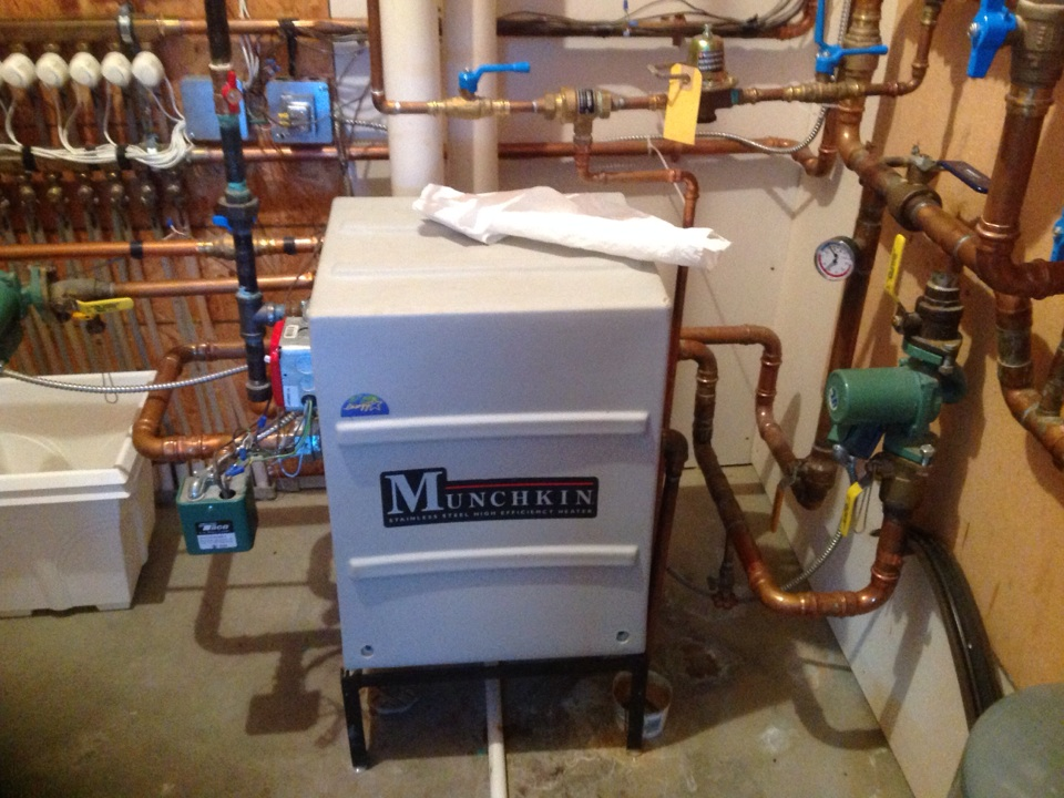 Munchkin Boilers - MUNCHKIN HOT WATER BOILER HEATER (FOR PARTS)
