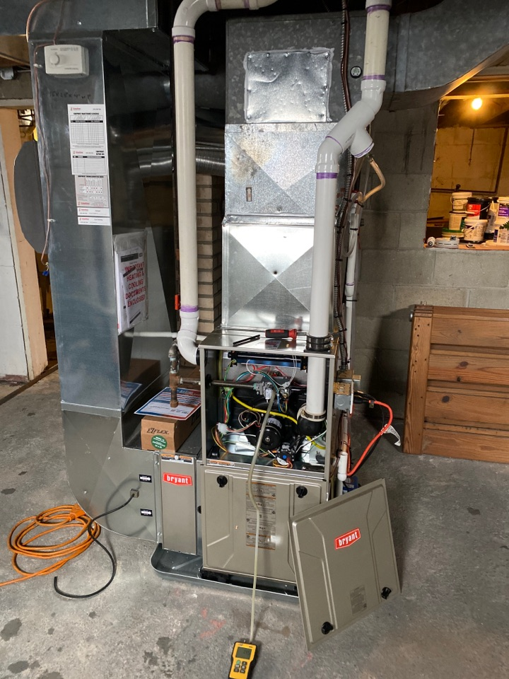Sparta, MI - Furnace and humidifier installation call.  Performed furnace, humidifier, and filter system on Bryant equipment