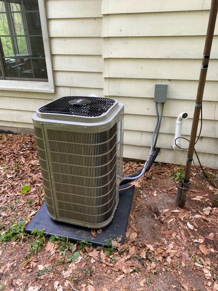 Sparta, MI - Air Conditioner installation call.  Performed ac install on Bryant Ac