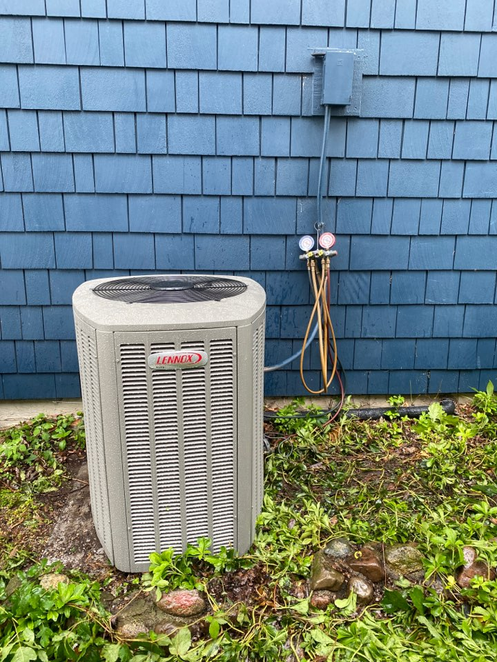 Rockford, MI - Install AC replacement on Unico job coil and condenser