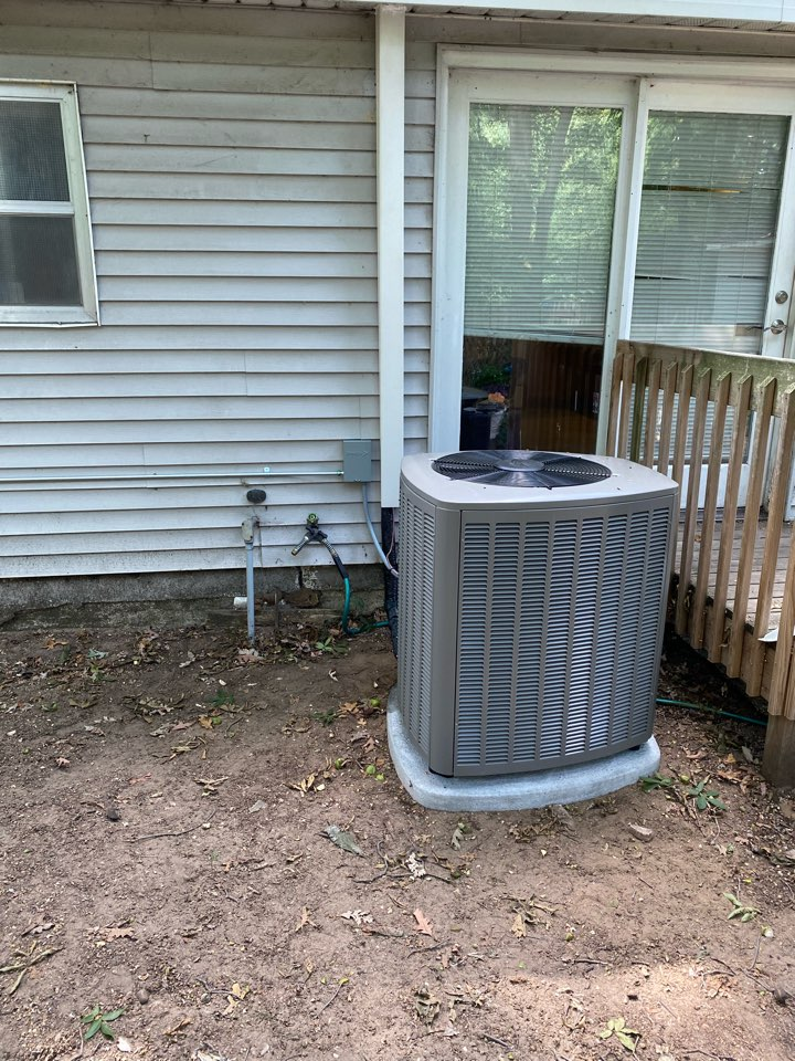 Kentwood, MI - Furnace and Air conditioner installation call.  Performed ac and furnace install on Lennox air conditioner