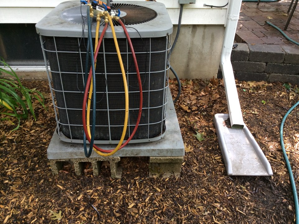 Greenville, MI - Ac maintenance, get unit off the ground helps with draining