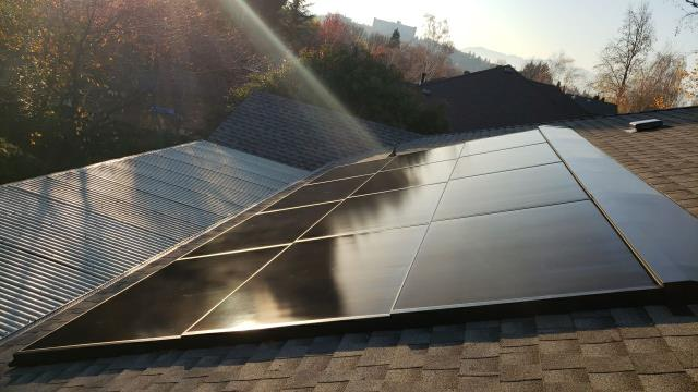 Medford, OR - This amazing shot of GAF DecoTech Solar panels on this HDZ Timberline Roof.