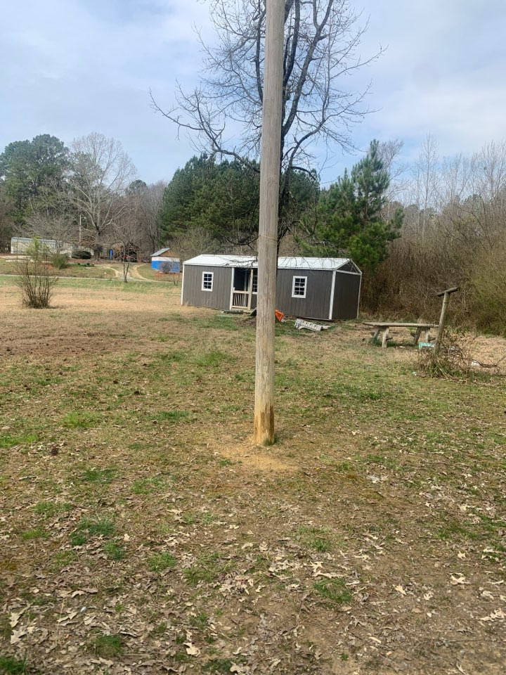 Electrician near me in chatsworth ga installed new power pole to building.