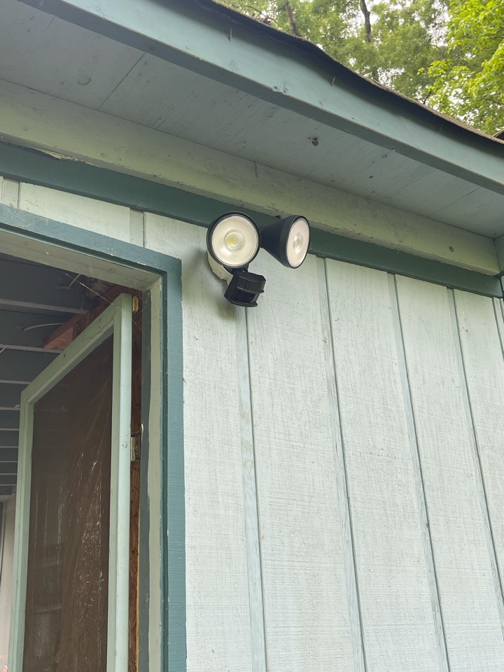 Electrician near me in ringgold ga installed a new customer supplied flood light on existing circuit.