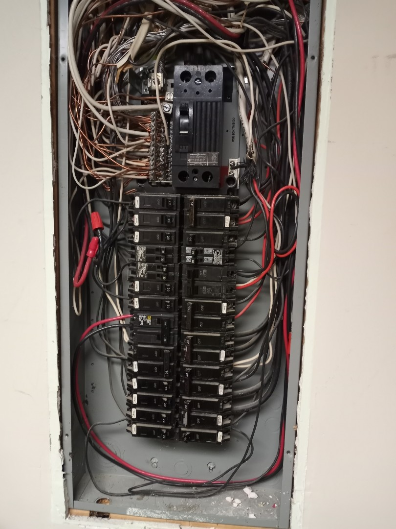 Electrician near me in Cohutta, Georgia giving a free electrical estimate for panel upgrade