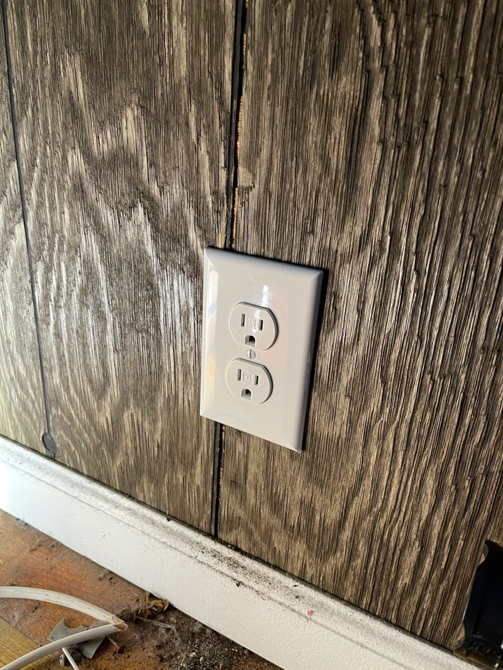 Electrician near me in dalton ga replaced an old clothe wire circuit with new Romex wiring.