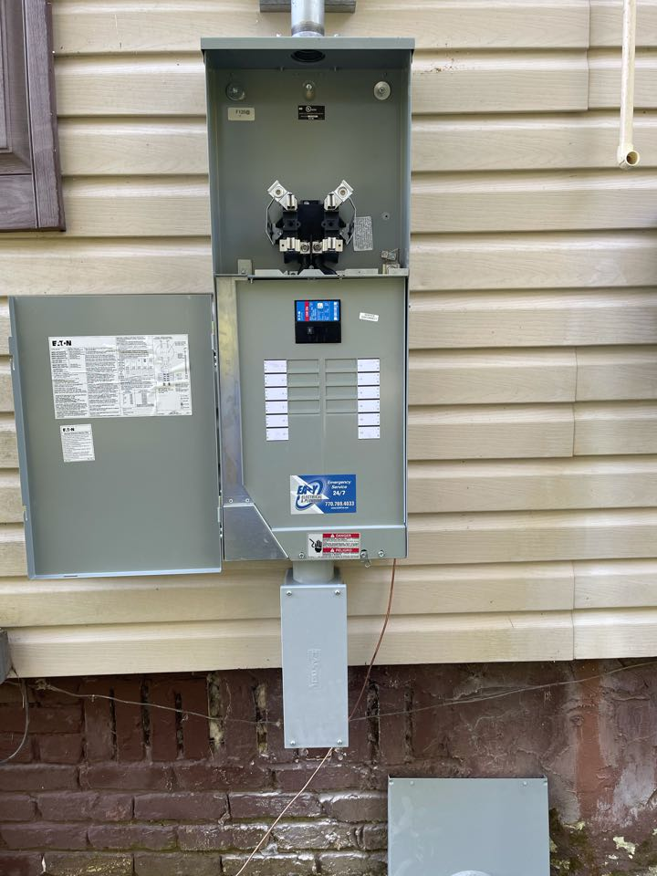Electrician near me in dalton ga installed a new service disconnect.