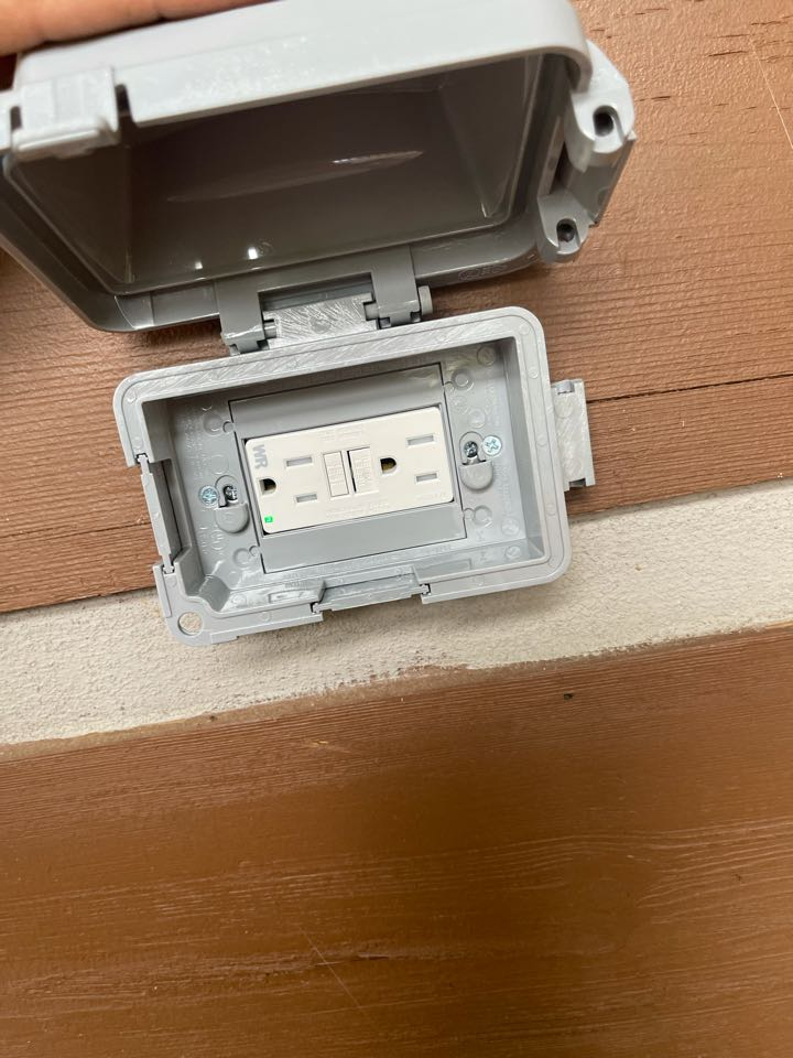Electrician near me in powder springs ga installed a new outdoor gfci