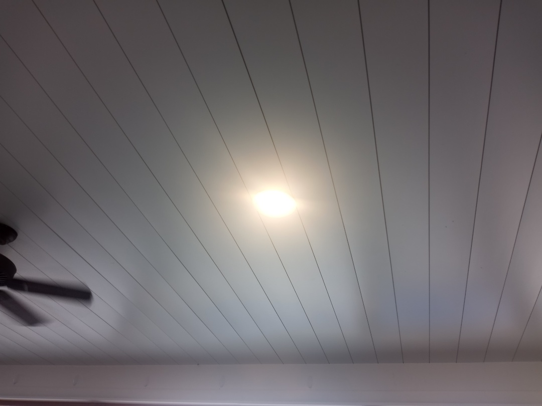 Electrician near me in Calhoun Georgia correcting issues with a lighting circuit