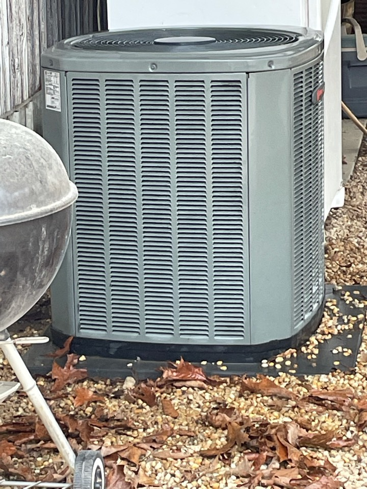 Clanton, AL - Completed a spring preventative maintenance which included cleaning the condenser coils.  These coils were very dirty and the operation of this unit will benefit from this.