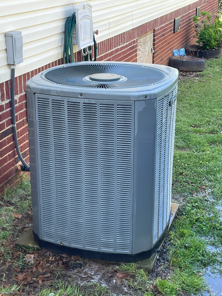 Clanton, AL - Completed a preventative maintenance on this unit, condenser coils were full of grass clippings. This customers unit will be operating as it should now for the hot day ahead.