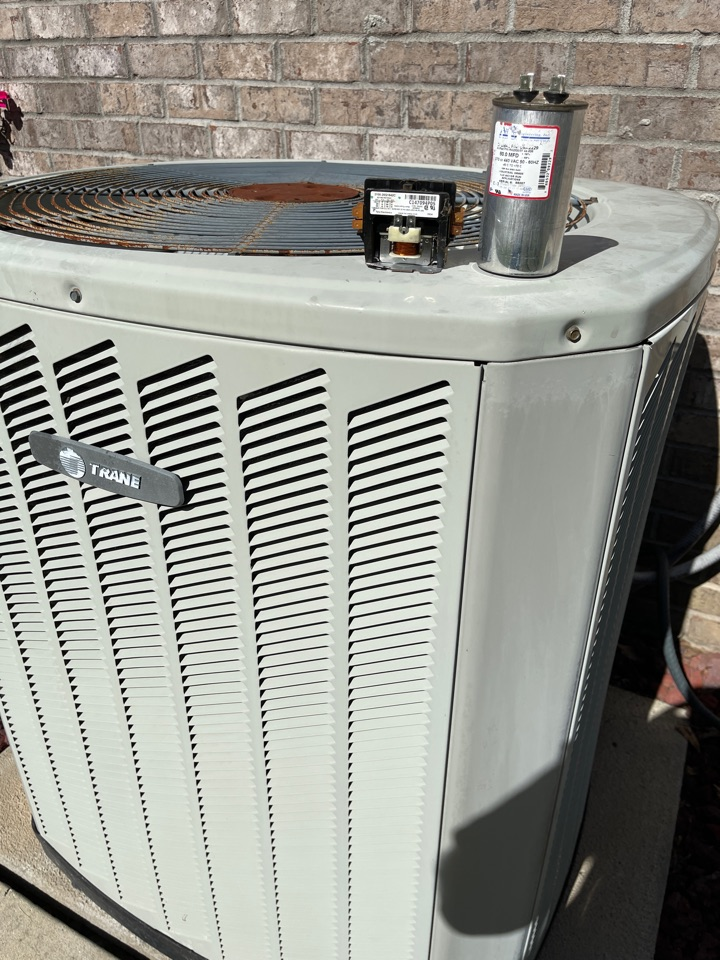 Clanton, AL - Found system not running on outside because two pole contactor and run capacitor was bad.. replaced them both and checked ref and all is good at this time..