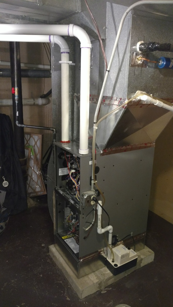 Arlington Heights, IL - Furnace and humidifier installation. Performed furnace and humidifier installation on Ruud furnace and Aprilaire humidifier.