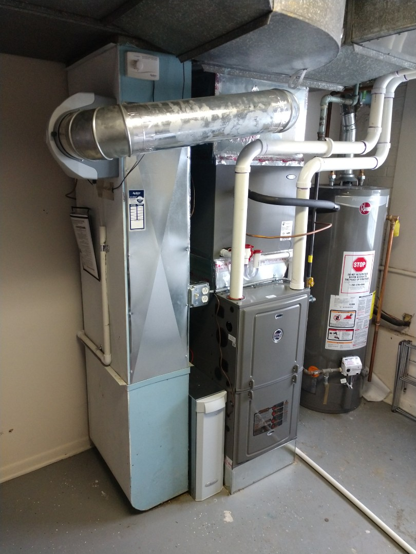 Mount Prospect, IL - We installed a new Ruud r95p 95% efficient furnace and Aprilaire 1000 series air cleaner