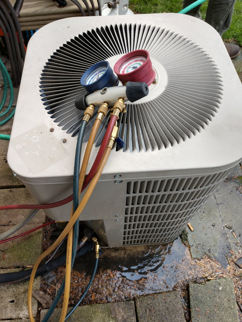 Des Plaines, IL - Air conditioner maintenance. We performed an AC cleaning on a Goodman condenser