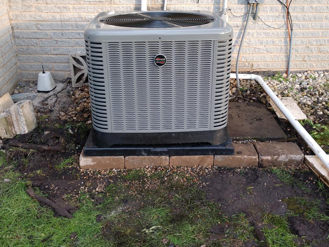 Des Plaines, IL - We performed an installation on a new Ruud ra14 air conditioner