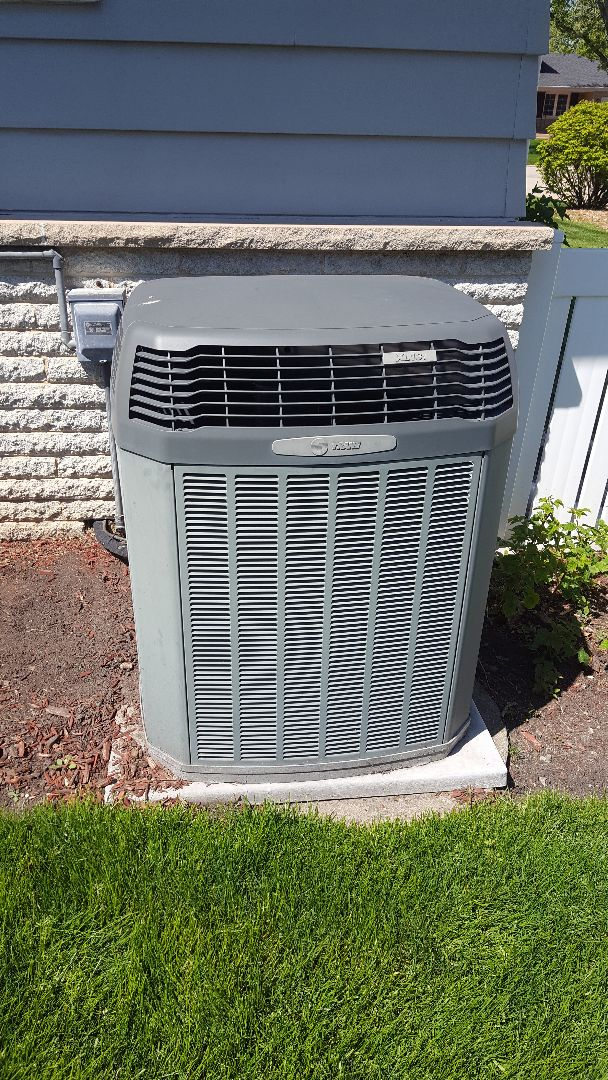 Des Plaines, IL - Air Conditioning maintenance on two Trane A.C. Performed A.C. tune up on Trane air conditioners.
