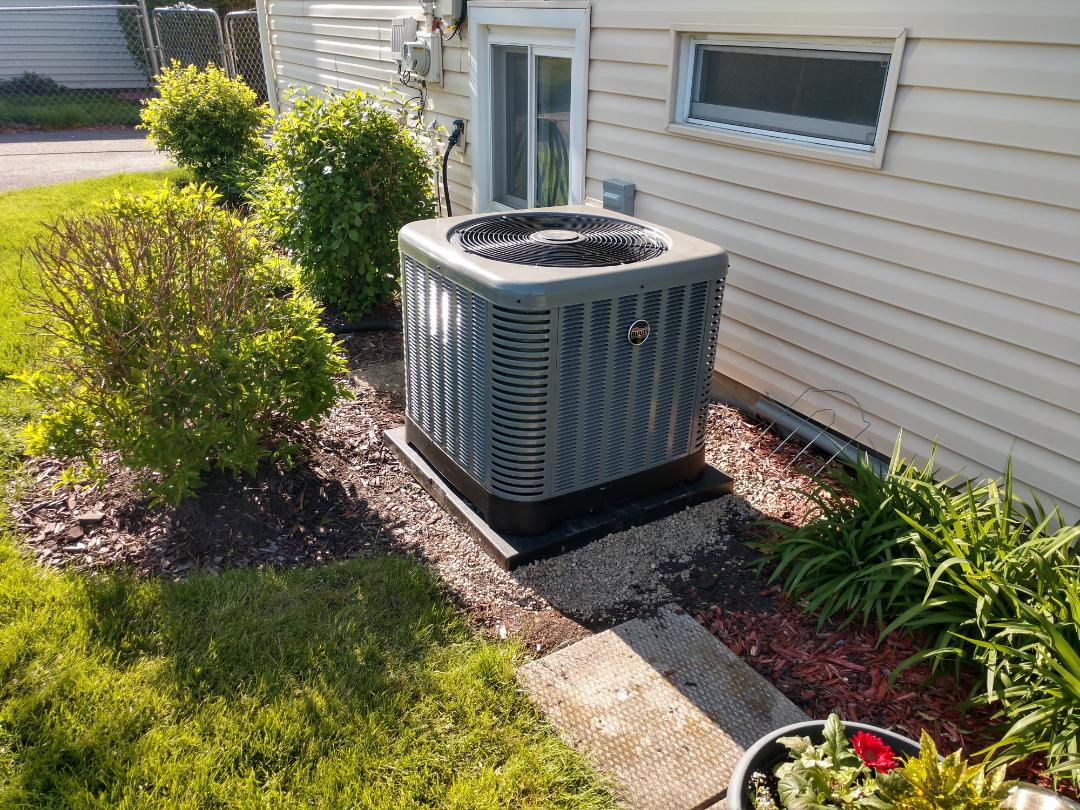 Mount Prospect, IL - We performed a AC spring start up on a new installation of a new Rheem/Ruud ra13 condenser