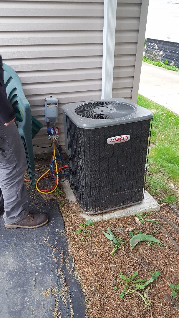 Mount Prospect, IL - Performed A.C. maintenance on Lennox air conditioner. Air Conditioning maintenance in Mt Prospect.