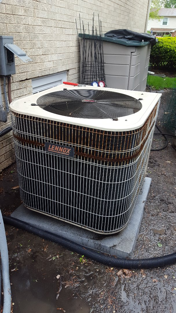 Mount Prospect, IL - Performed air conditioning maintenance on Lennox A.C. Air conditioner tune up in Mt Prospect.