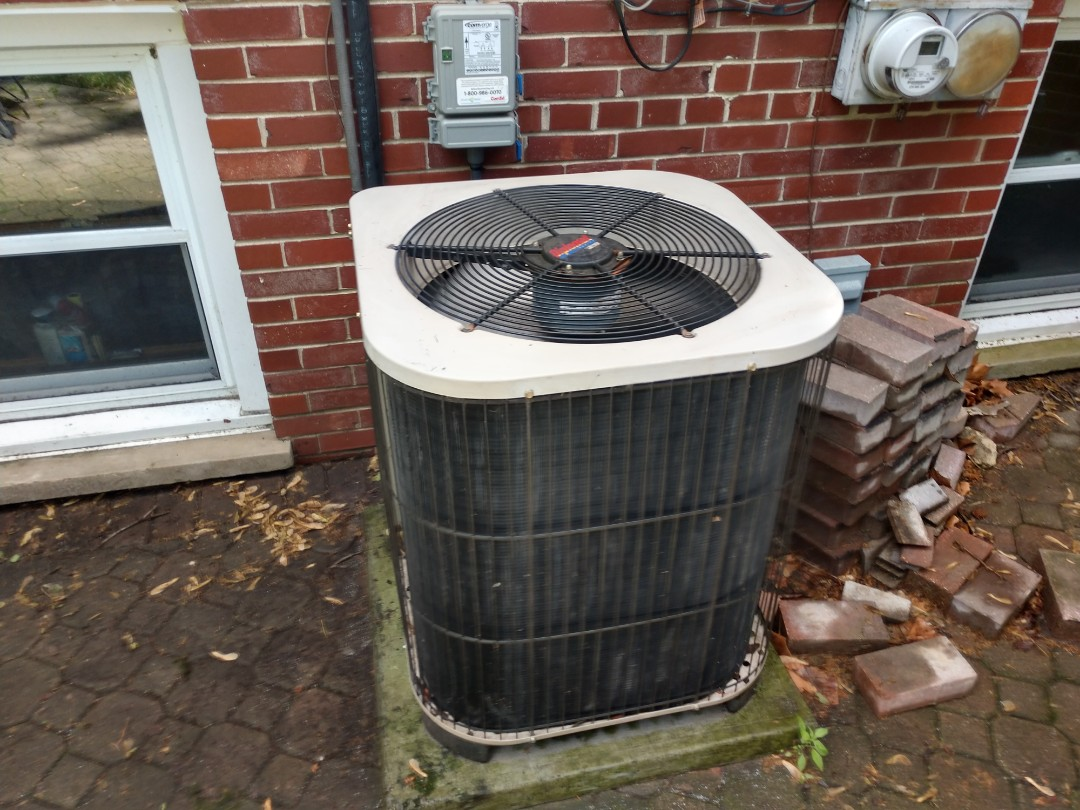 Arlington Heights, IL - Ac cleaning. We performed Maintenance on a Lennox air conditioner