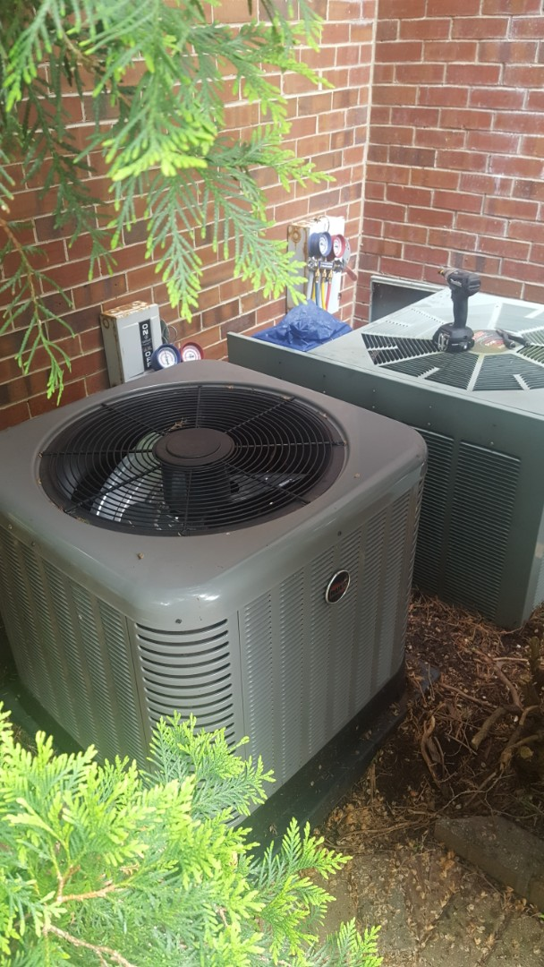 Lake Forest, IL - Performed A.C. maintenance on a Rheem and a Ruud air conditioner. Air Conditioning tune up in Lake Forest.