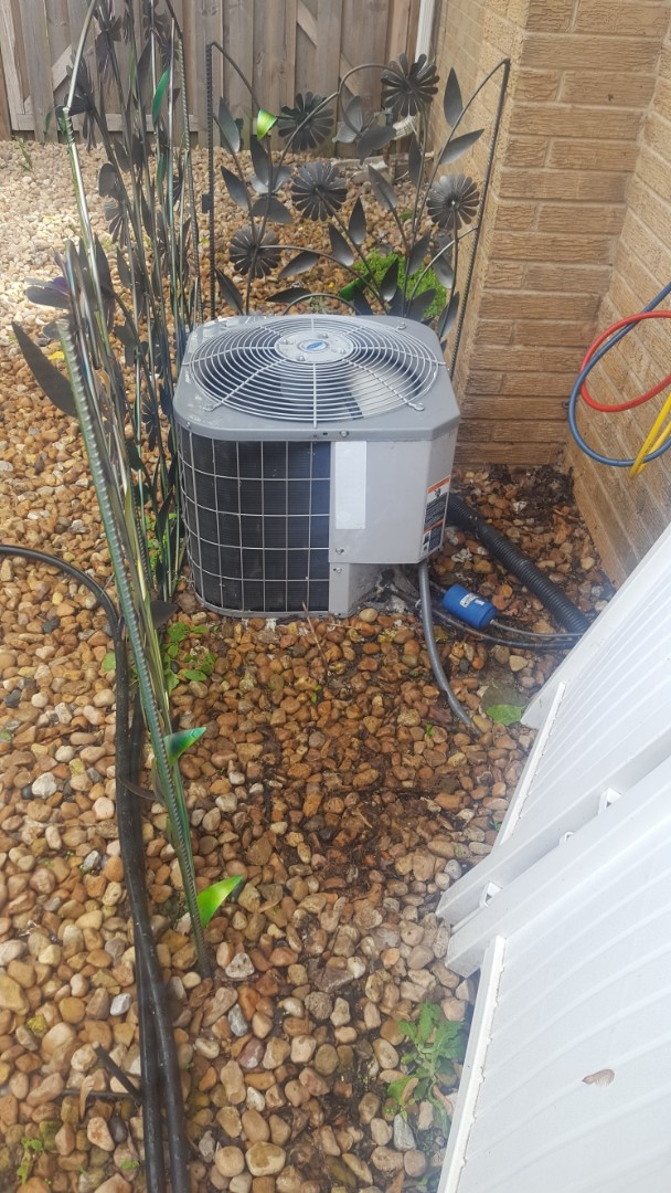 Arlington Heights, IL - Performed A.C. maintenance on Carrier air conditioner. Air Conditioning maintenance is Arlington Heights.