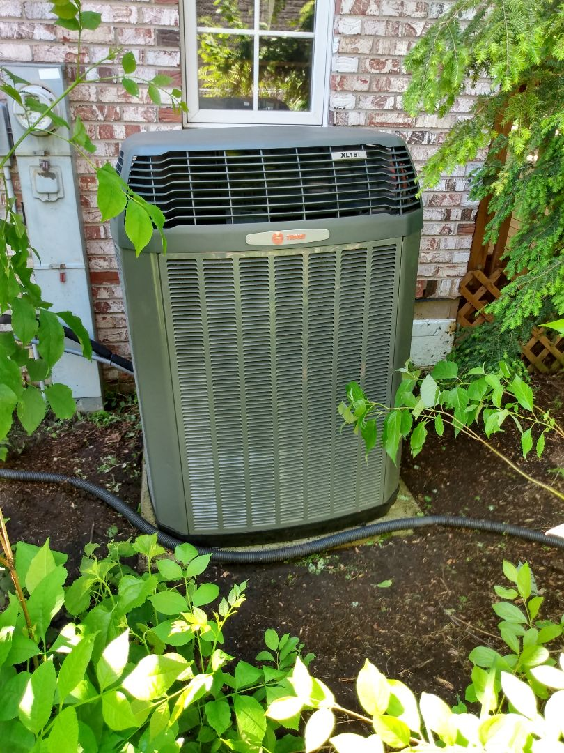 Arlington Heights, IL - Performed AC maintenance on Trane air conditioner. Air conditioning tune up in Arlington Heights.