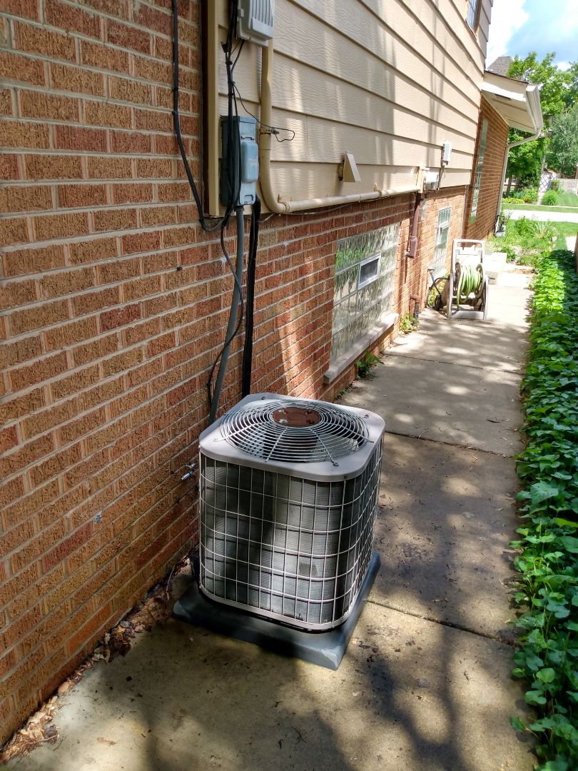Mount Prospect, IL - Performed AC maintenance on Carrier air conditioner. Air conditioning tune up in My Prospect.