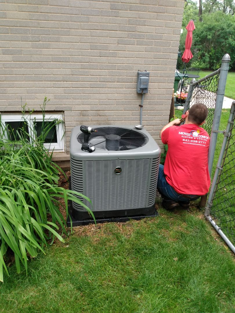 Mount Prospect, IL - Performed AC maintenance on Ruud RA14 air conditioner. Air conditioning tune up in Mt Prospect.