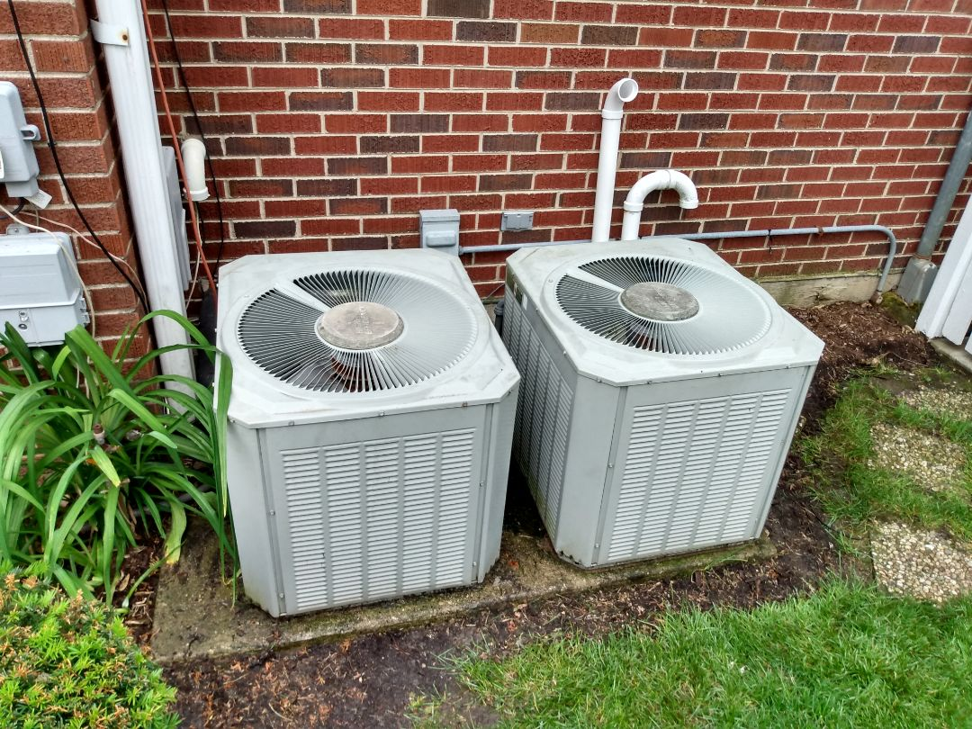 Arlington Heights, IL - Performed AC maintenance on two Trane air conditioners. Air conditioning tune up in Arlington Heights.