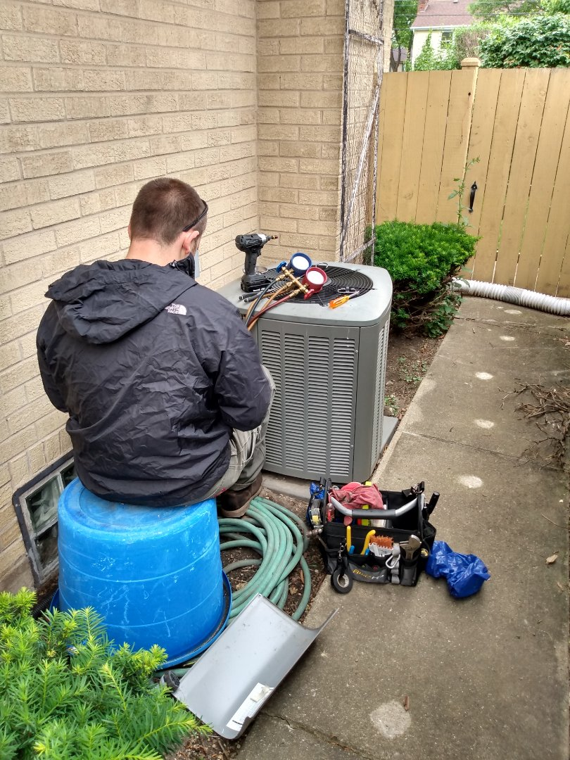 Mount Prospect, IL - Performed AC maintenance on Lennox air conditioner. Air conditioning tune up in Mt Prospect.