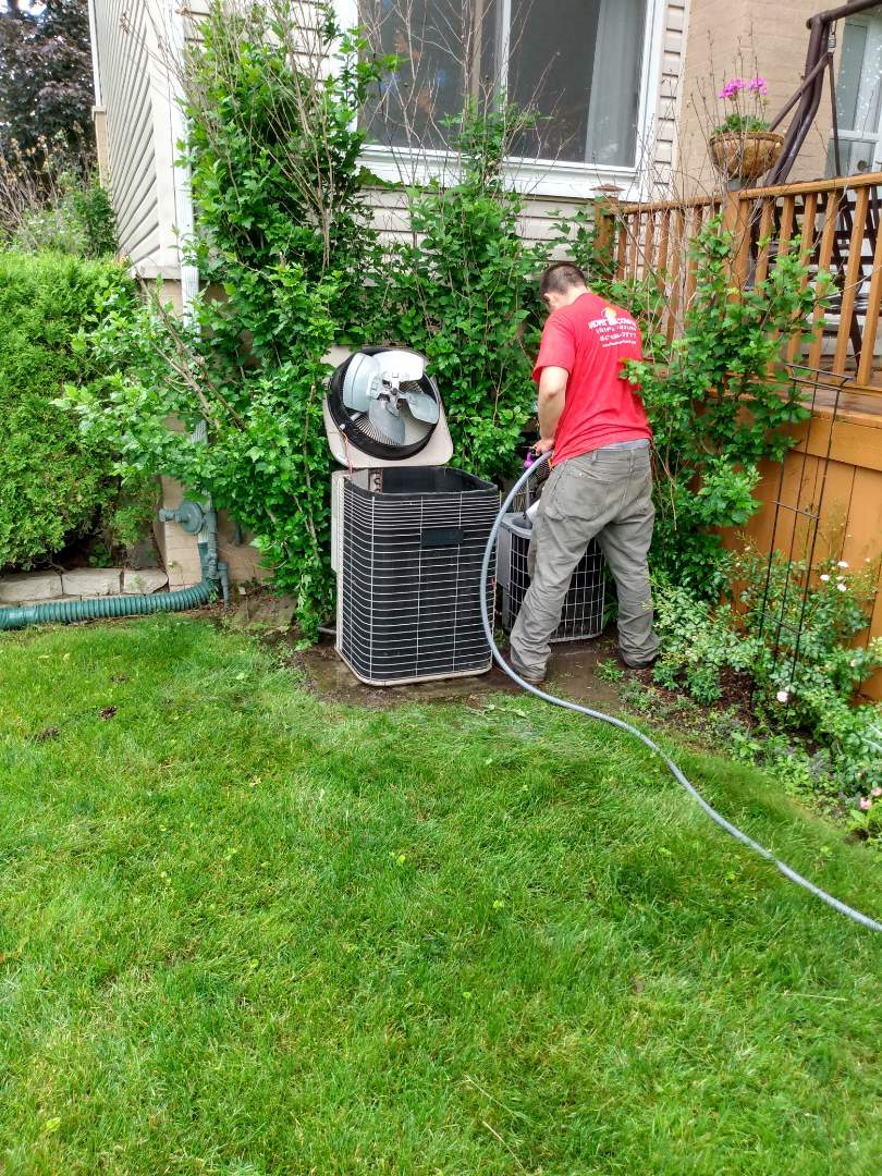 Mount Prospect, IL - Performed AC maintenance on a Lennox air conditioner and a Carrier air conditioner. Air conditioning tune up in Mt Prospect.