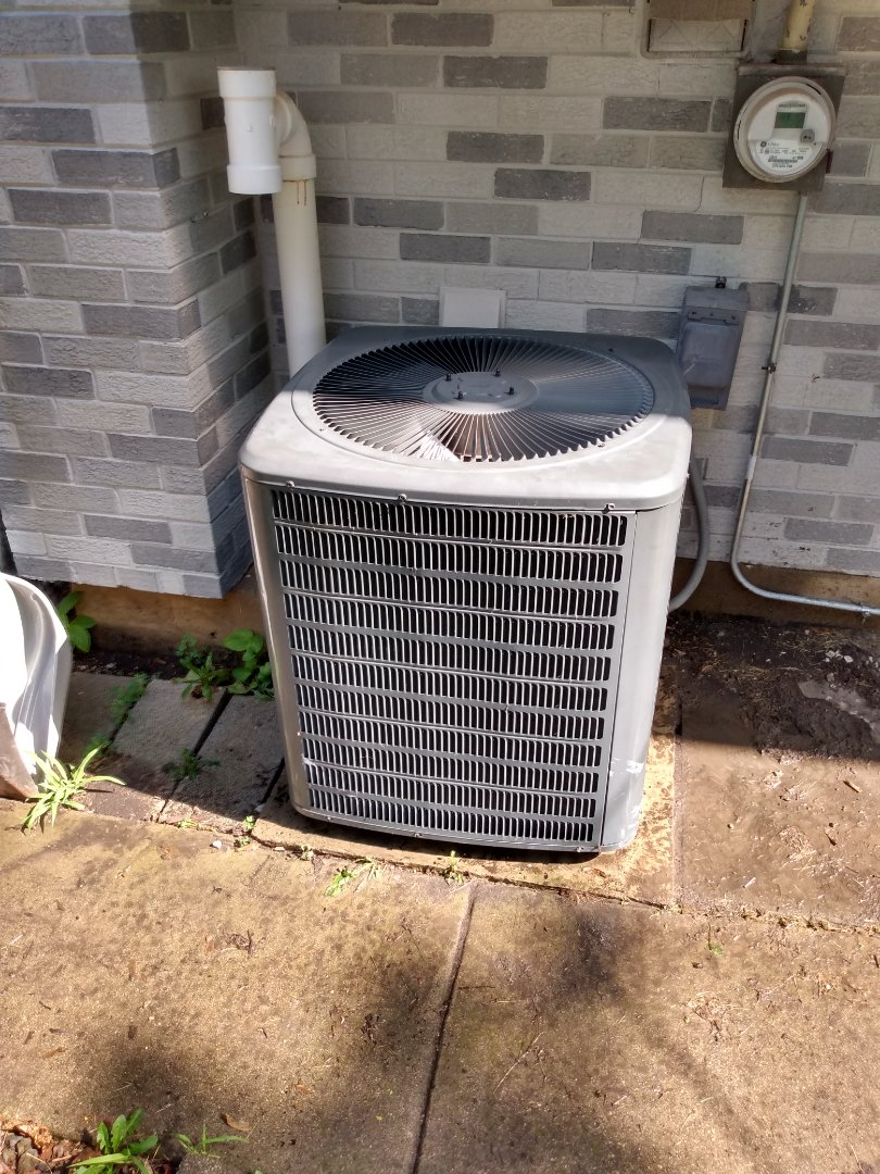 Arlington Heights, IL - Performed AC maintenance on a Goodman air conditioner. Air conditioning tune up in Arlington Heights.