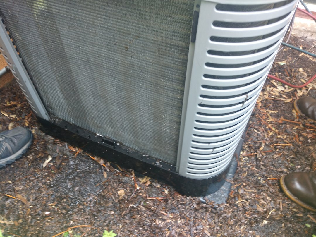 Mount Prospect, IL - Ac service call no cool.. we serviced a Rheem/Ruud ra13. We performed a cleaning on the air conditioner coil