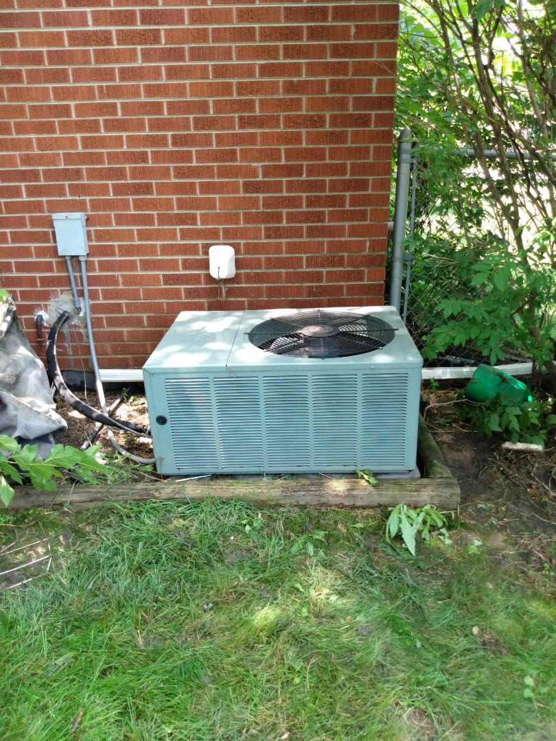 Mount Prospect, IL - Performed AC maintenance on a Rheem air conditioner. Air conditioning tune up in Mt Prospect.