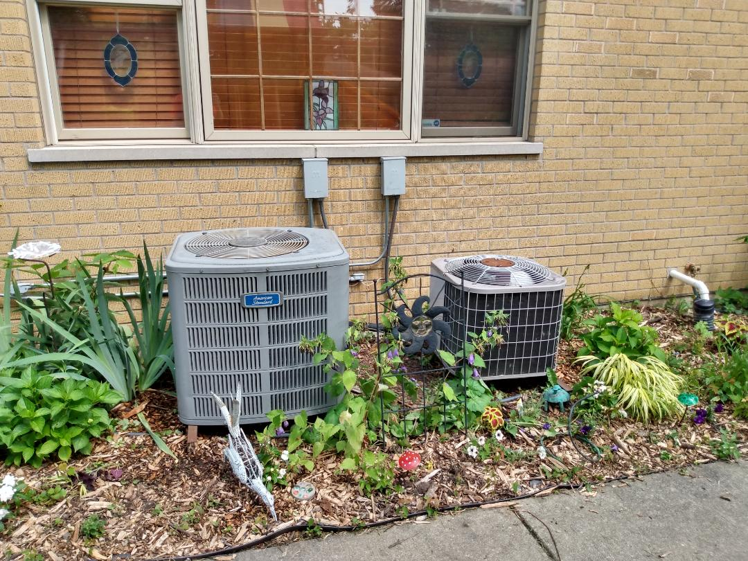 Mount Prospect, IL - Performed AC maintenance on American Standard and Carrier air conditioner. Air conditioning tune up in Mt Prospect.
