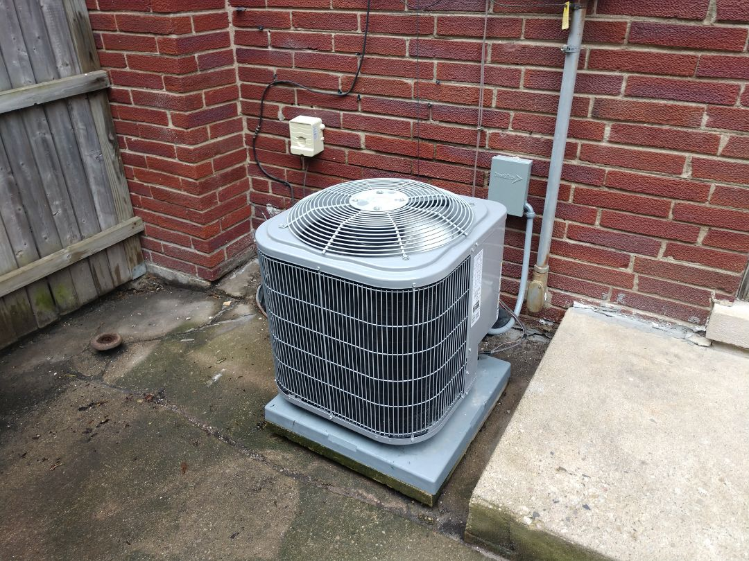 Des Plaines, IL - Ac maintenance. We performed maintenance cleaning on a Carrier air conditioner