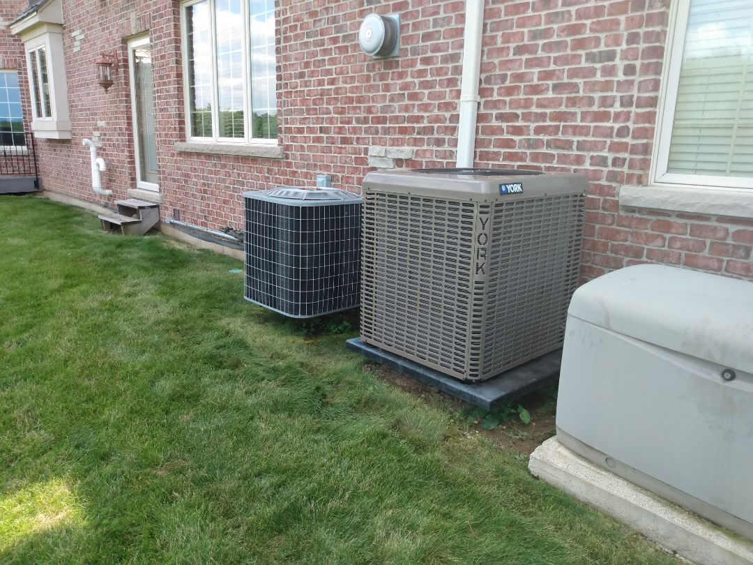 Barrington, IL - Performed AC maintenance on Carrier air conditioner and York air conditioner. Air conditioning tune up in Barrington.