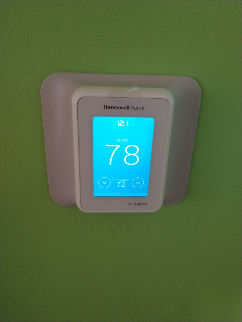 Des Plaines, IL - Thermostat installation . We installed a Honeywell pro t10 thermostat