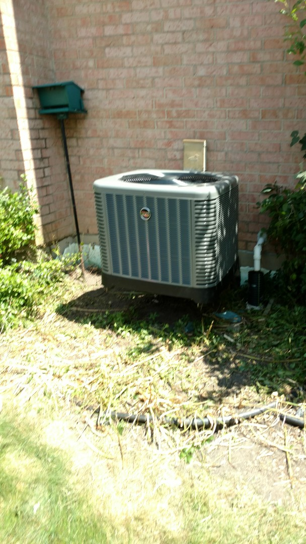 Prospect Heights, IL - New installation 4 ton Rudd AC condenser coil and evaporator
