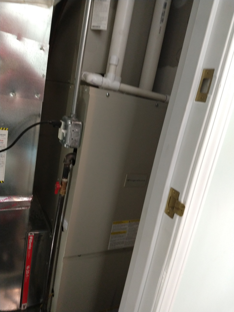 Mount Prospect, IL - Ruud furnace cleaning *2 Frigidaire furnace cleaning and safety check.