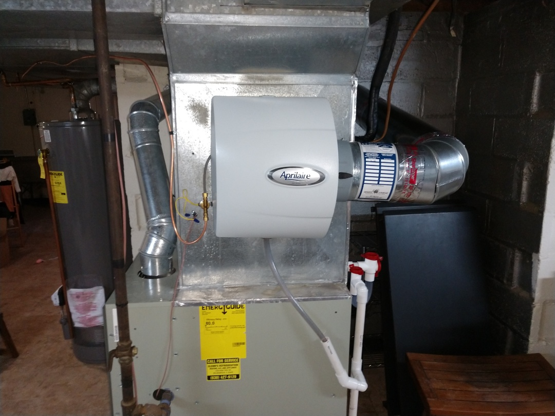 Glen Ellyn, IL - Humidifier installation. We installed an Aprilaire 600 humidifier with outdoor sensor