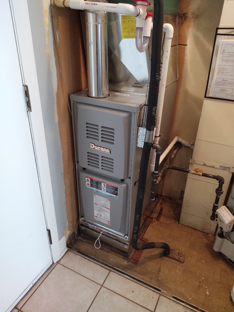 Schaumburg, IL - Furnace replacement/ installation. We installed a Ducane 80% furnace. We also added a filter rack.