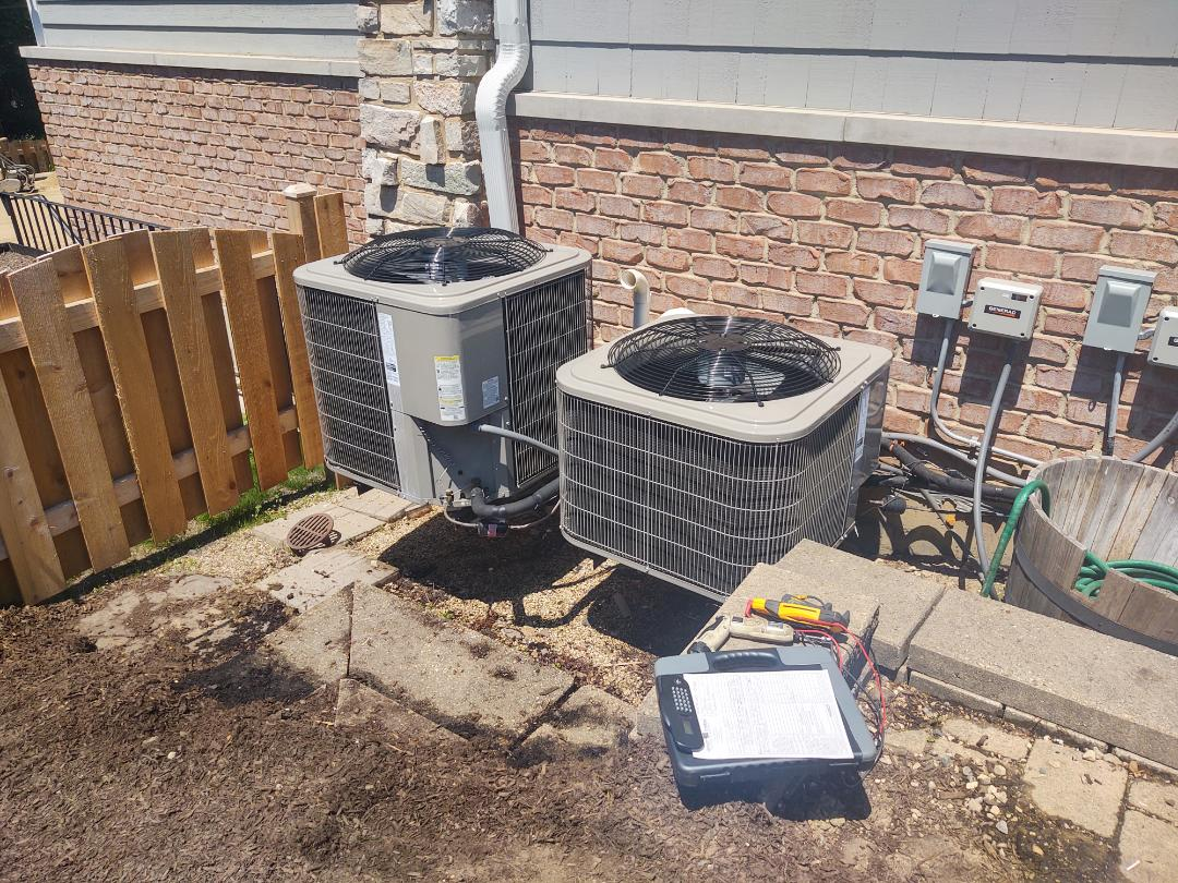 Hinsdale, IL - Ac service and maintenance. We performed cleaning on the Bryant air conditioner s