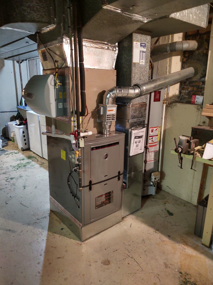 Arlington Heights, IL - Furnace installation We installed a Ruud u802v 80% 2 stage variable speed furnace, an Aprilaire 600 humidifier and Honeywell thermostat