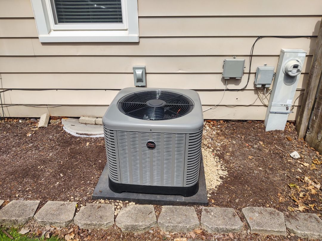 Arlington Heights, IL - Ac install  We installed a RUUD ra14 14 seer air conditioner and adp coil