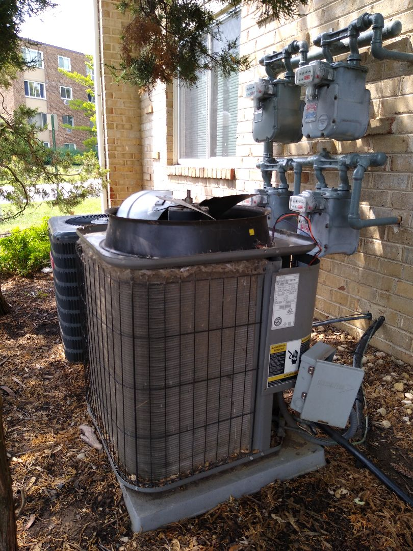 Hoffman Estates, IL - No cooling call. Condenser fan motor is seized up on Lennox AC. Replacing ac and furnace with Rheem unit. And will replace with a used a CFM to get temp cooling in the meantime.